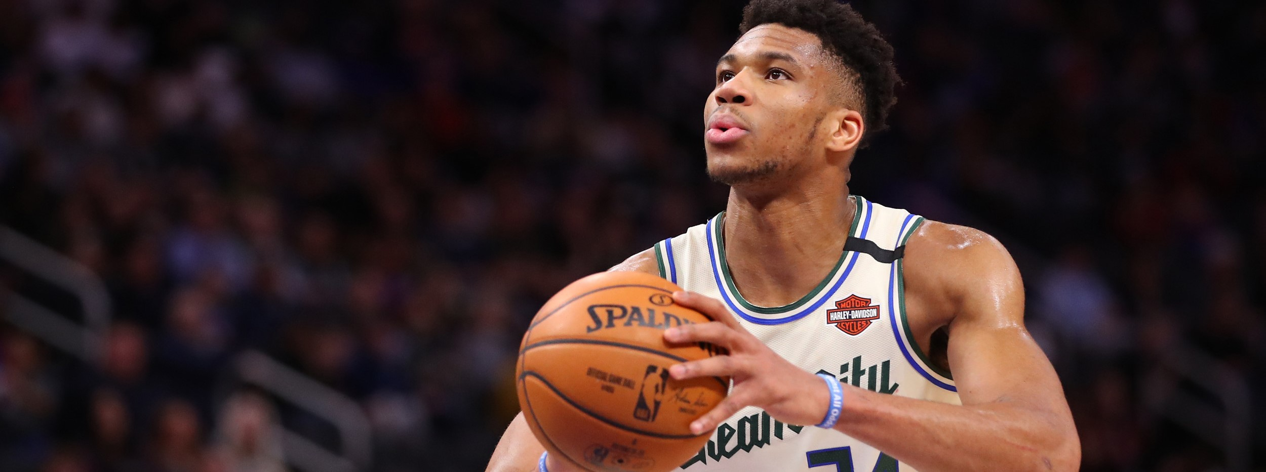 Milwaukee Bucks vs Los Angeles Lakers Basketball Live Sports Betting Odds, NBA Free Predictions